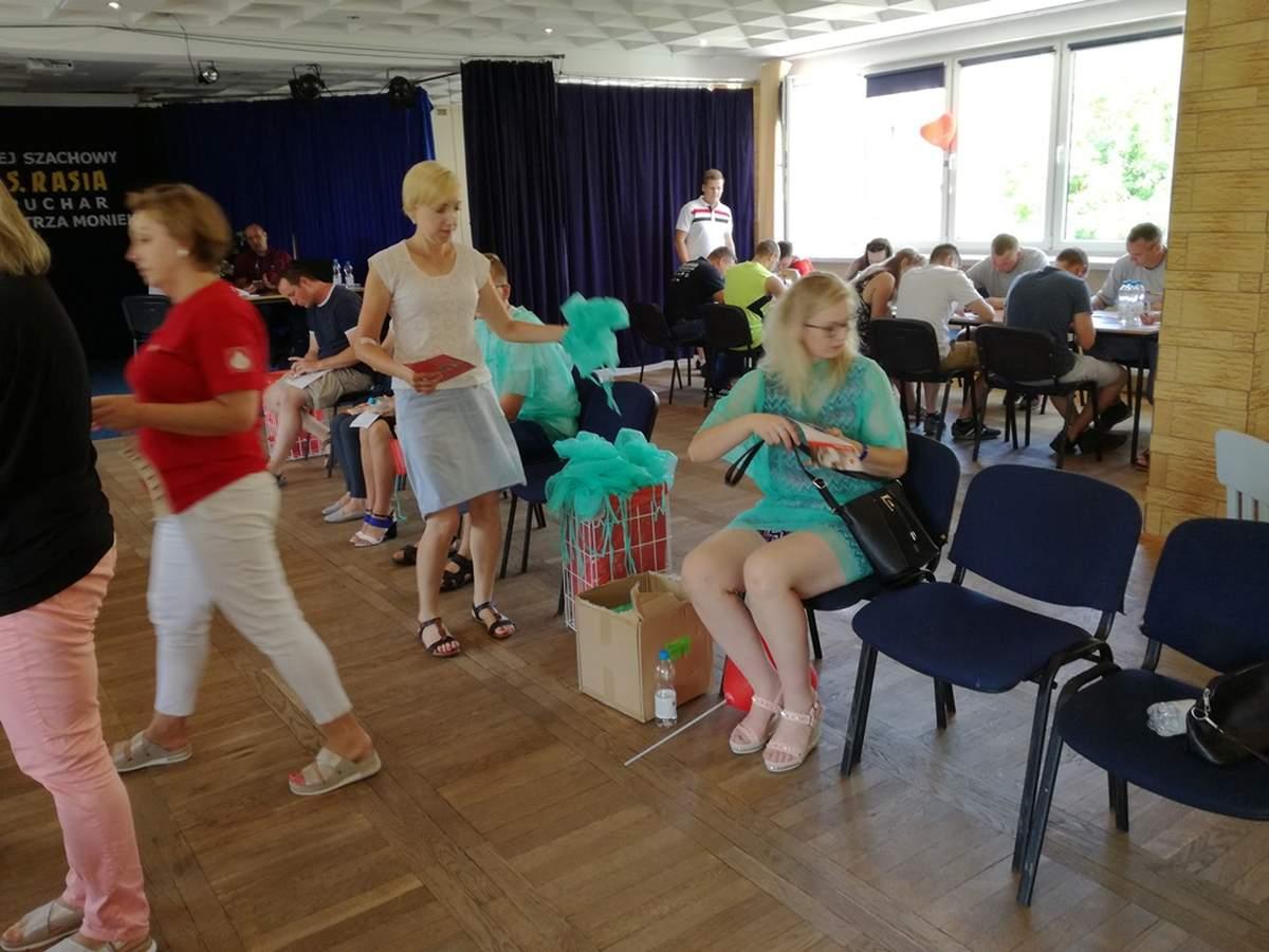12 sierpnia 2018 roku krwiodawcy z Rosochackiego pododdziału  Klubu HDK   'KROPELKA' w Wysokiem Mazowieckiem zorganizowali akcję poboru krwi w swojej wsi