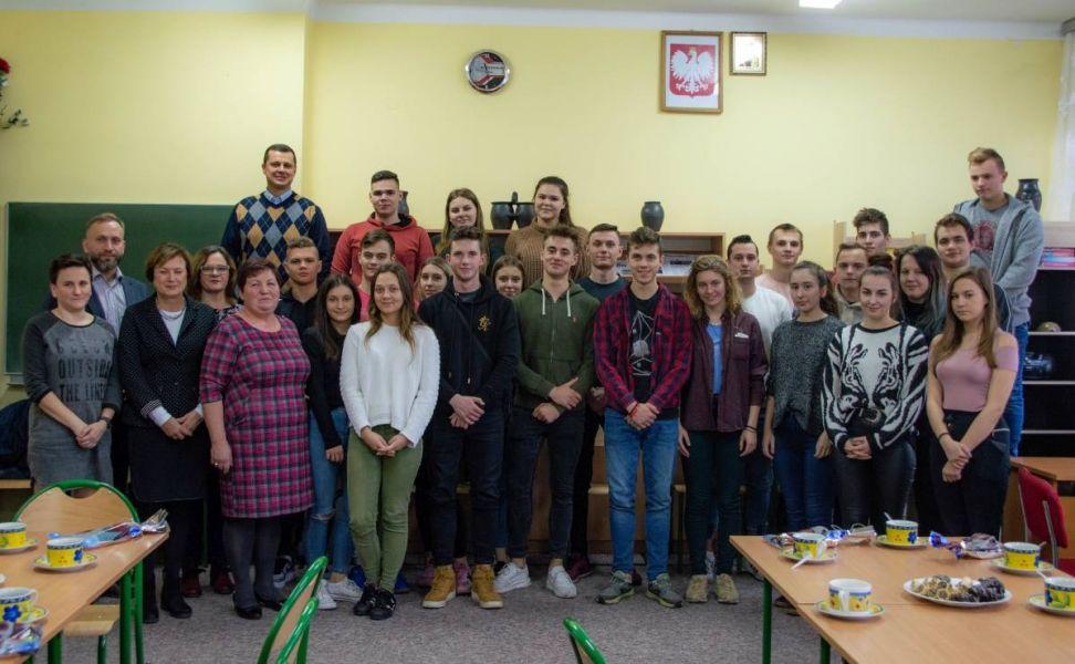 Spotkania z młodzieżą z Zespołu Szkól Zawodowych w Hajnówce i II Liceum Ogólnokształcącego z Dodatkowa Nauką Języka Białoruskiego  z okazji Dni Honorowych Dawców Krwi Polskiego Czerwonego Krzyża